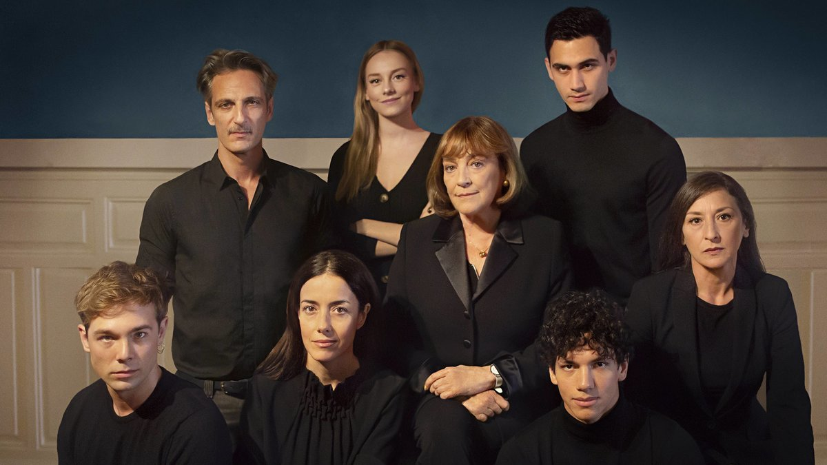 Carmen Maura, Cecilia Suárez y Ester Expósito protagonizan 'Alguien tiene que morir', la nueva serie de Manolo Caro para Netflix