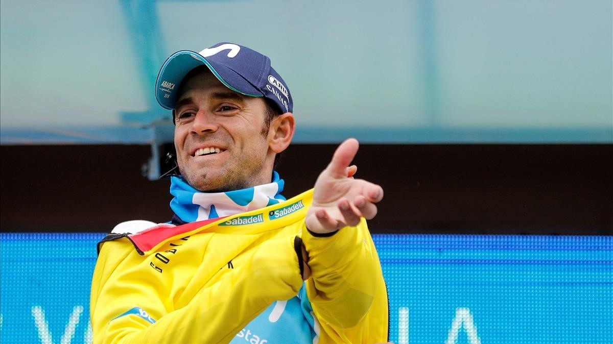 Alejandro Valverde se enfunda el maillot amarillo como vencedor de la Volta a la Comunitat Valenciana.