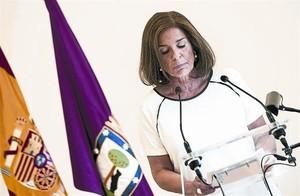 Ana Botella, durant la lectura del comunicat en què va anunciar la seva intenció de no presentar-se.