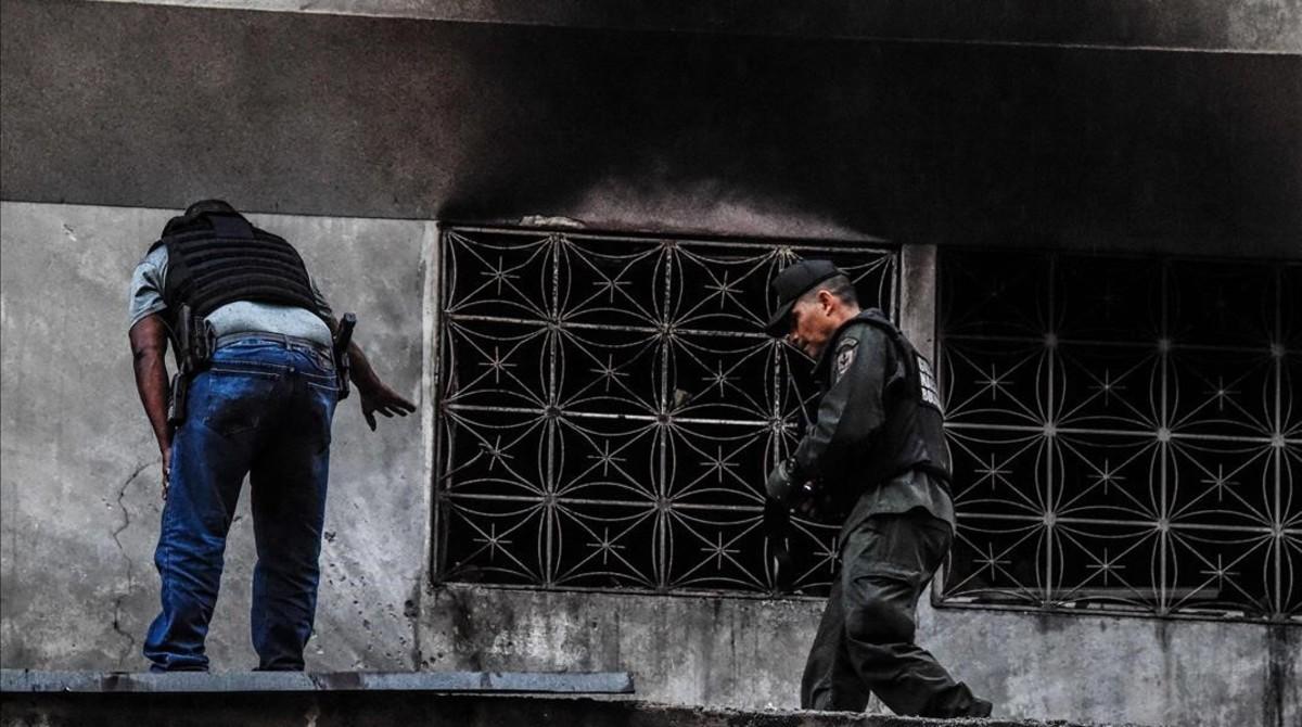 Búsqueda de pruebas tras el atentado a Maduro.