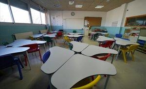 Clase vacía de alumnos en el Colegio Teresa Berganza de Madrid.