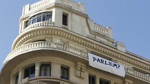 Bandera blanca per reclamar diàleg entre Espanya i Catalunya