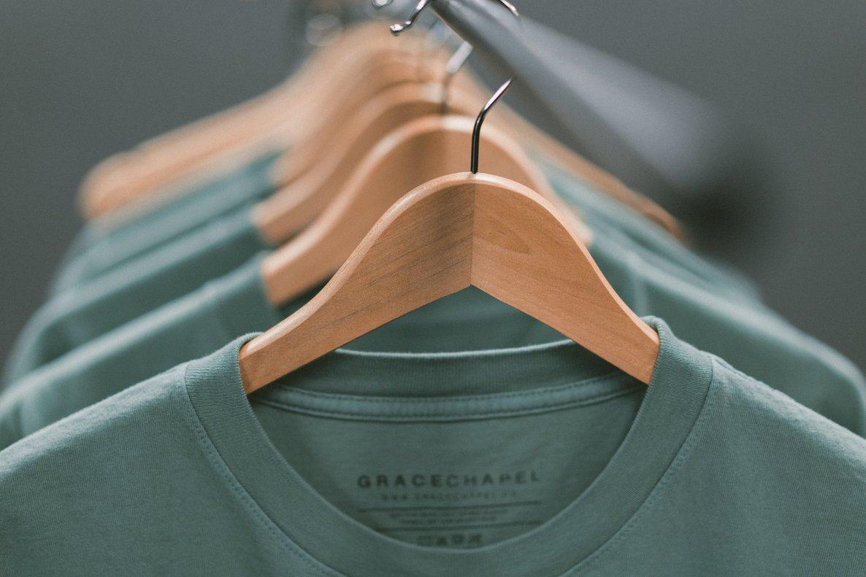 El minimalismo defiende el consumo consciente y responsable.