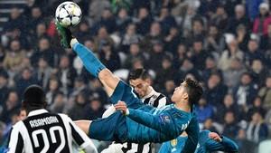 Cristiano Ronaldo marca el tanto de chilena ante la Juventus.