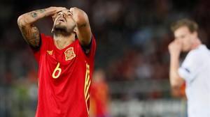 Dani Ceballos se lamenta tras una ocasión fallada en la final del Europeo sub-21 contra Alemania.