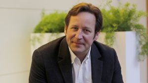 Entrevista con el ex ministro de Industrias Digitales y Cultura del Reino Unido Ed Vaizey.