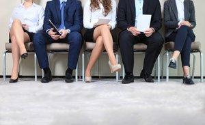 Candidatos en una entrevista de trabajo.