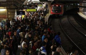 Estación de metro de Espanya durante uno de los paros.