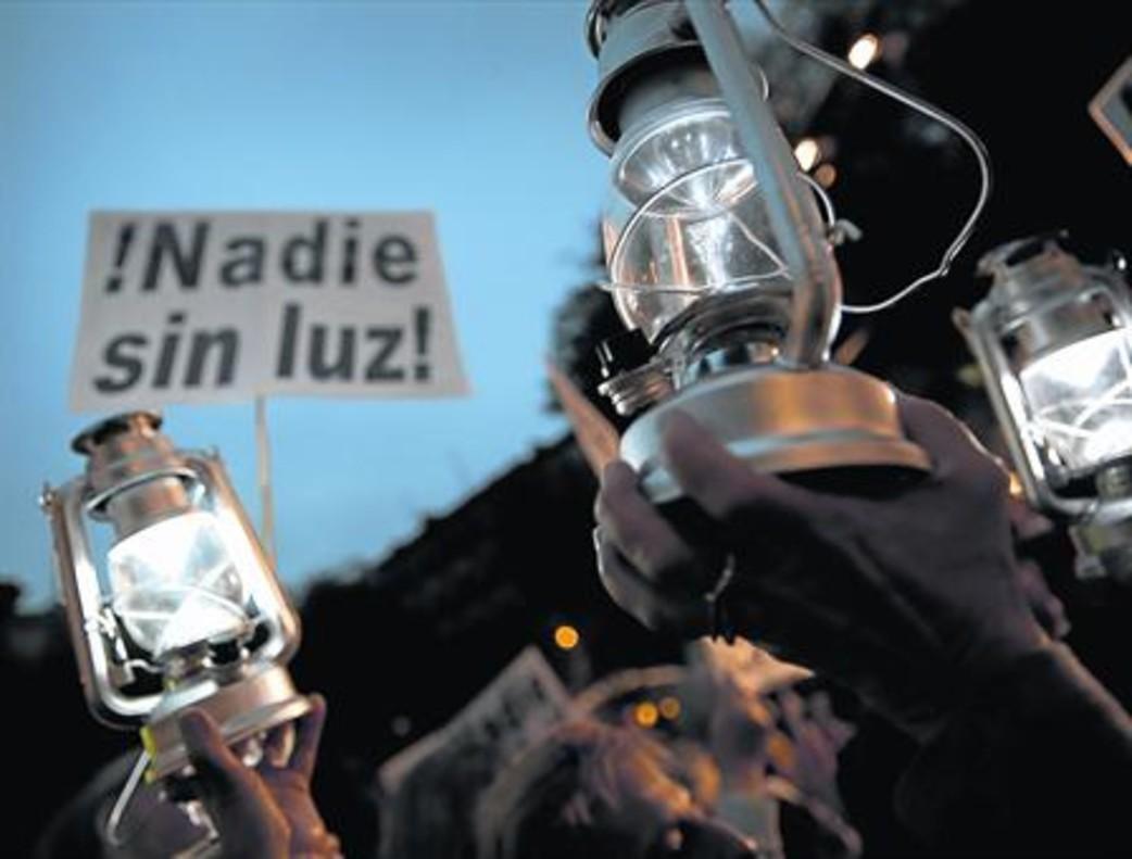 Fanalets. Manifestants reivindiquen mesures contra la pobresa energètica