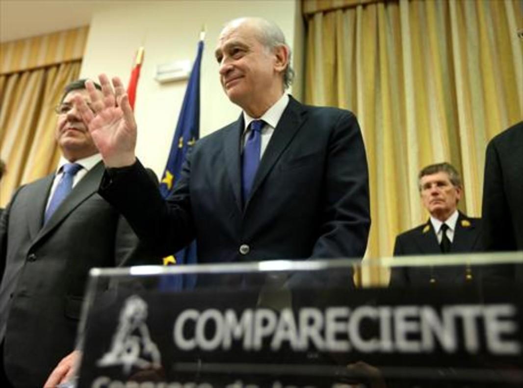 Jorge Fernández Díaz, antes de su comparecencia en la comisión de investigación del Congreso, ayer.
