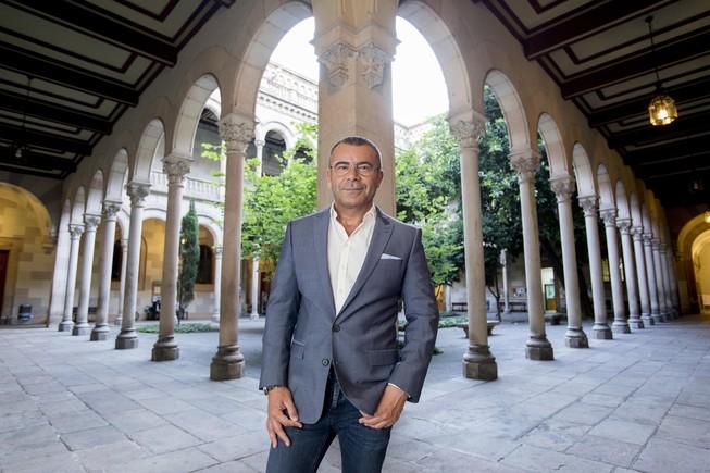 Jorge Javier Vázquez, en el claustro de la Universitat de Barcelona.