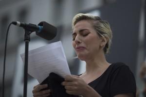 La cantante Lady Gaga, en el homenaje a las víctimas de la tragedia de Orlando (EEUU) celebrado en Los Ángeles.