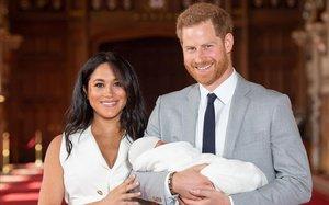 El príncipe Enrique y Meghan Markle, el día de la presentación oficial de su hijo Archy, el pasado 8 de mayo en Windsor.
