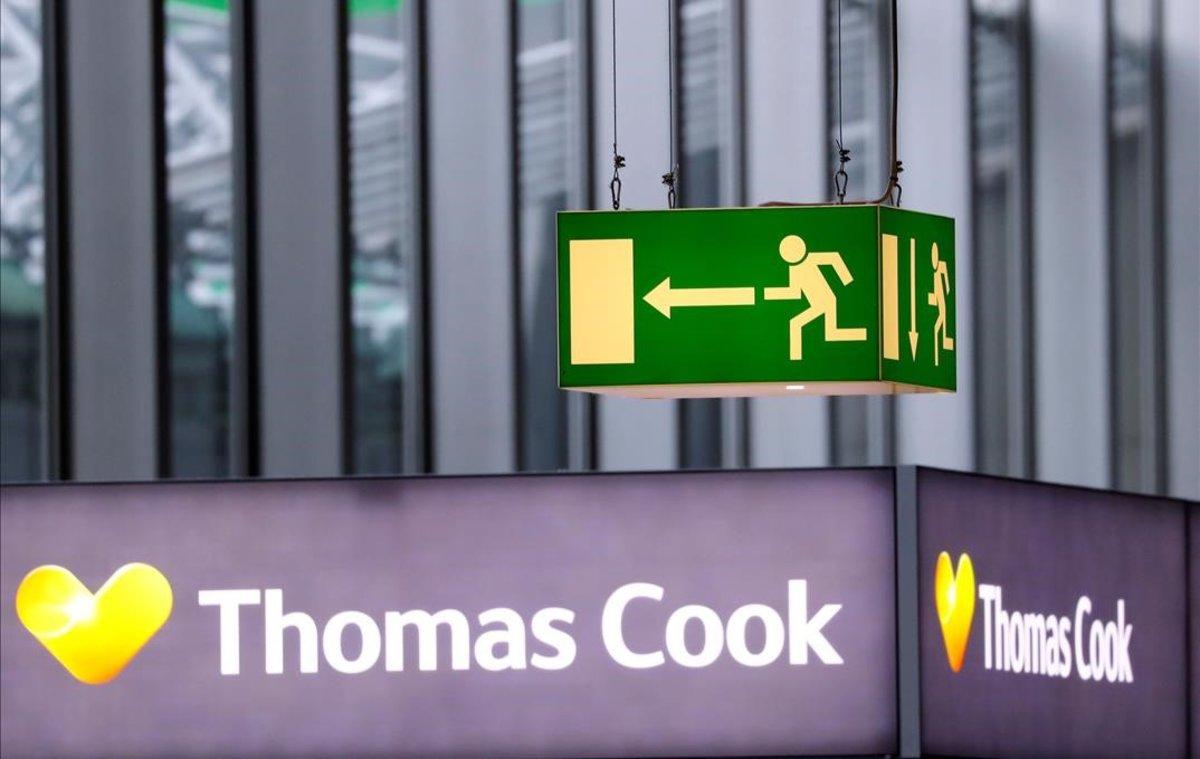 El logo de Thomas Cook, en el aeropuerto de Fráncfort.