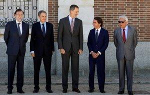 El Rey y los cuatro expresidentes del Gobierno.