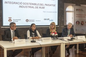 Manuel Jiménez, Sònia Recasens, Ana María Martínez y Antoni Abad en un momento de la presentación