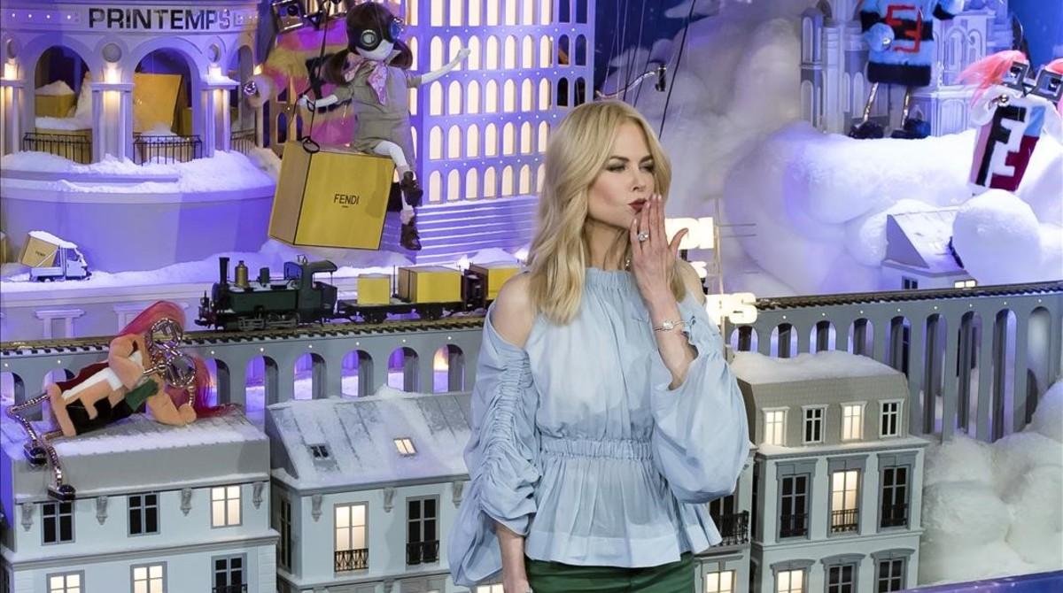 Nicole Kidman ha inaugurado la temporada navideña del centro comercial Printemps de París.