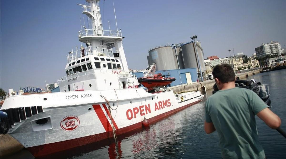El nuevo barco insignia de la oenegécatalana Proactiva Open Arms,el Open Arms, un remolcador de altura remodelado durante los ultimos meses en Galicia,presentadoen el puerto de A Coruna.