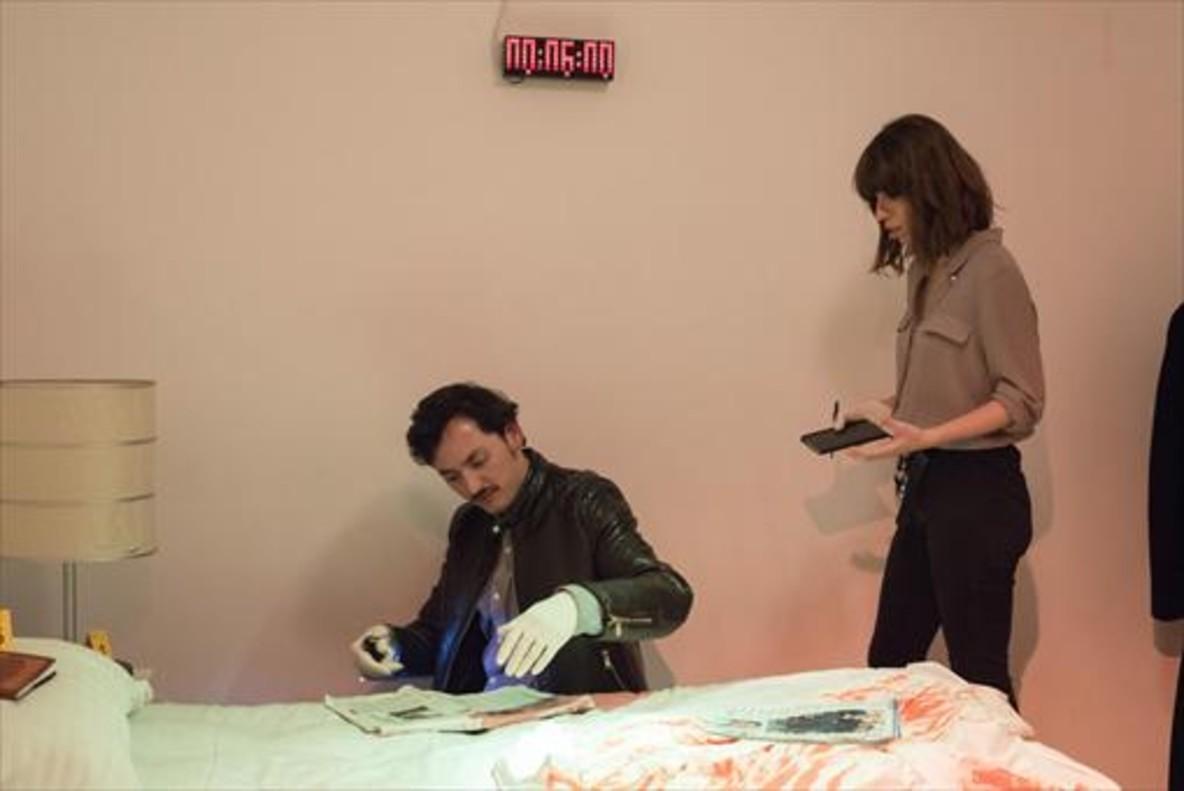 Damià Capella y Ginebra Vall, en el 'microescape' 'Escena del crimen'. Sigue siendo el misteriomás difícil de la carteleraaunque te den seis minutos, unoextra.