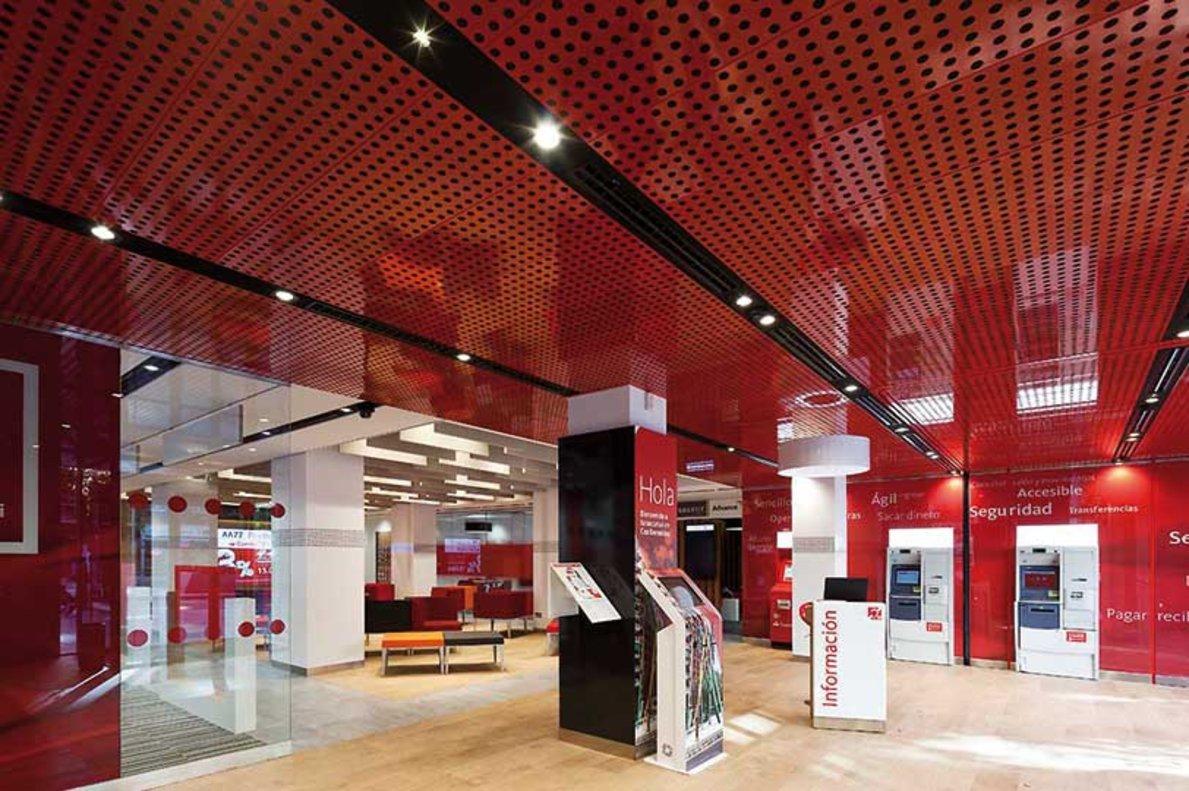 Una oficina Smart Red de Banco Santander