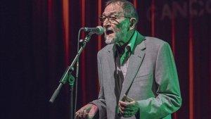 Pablo Guerrero, en su concierto en Barnasants
