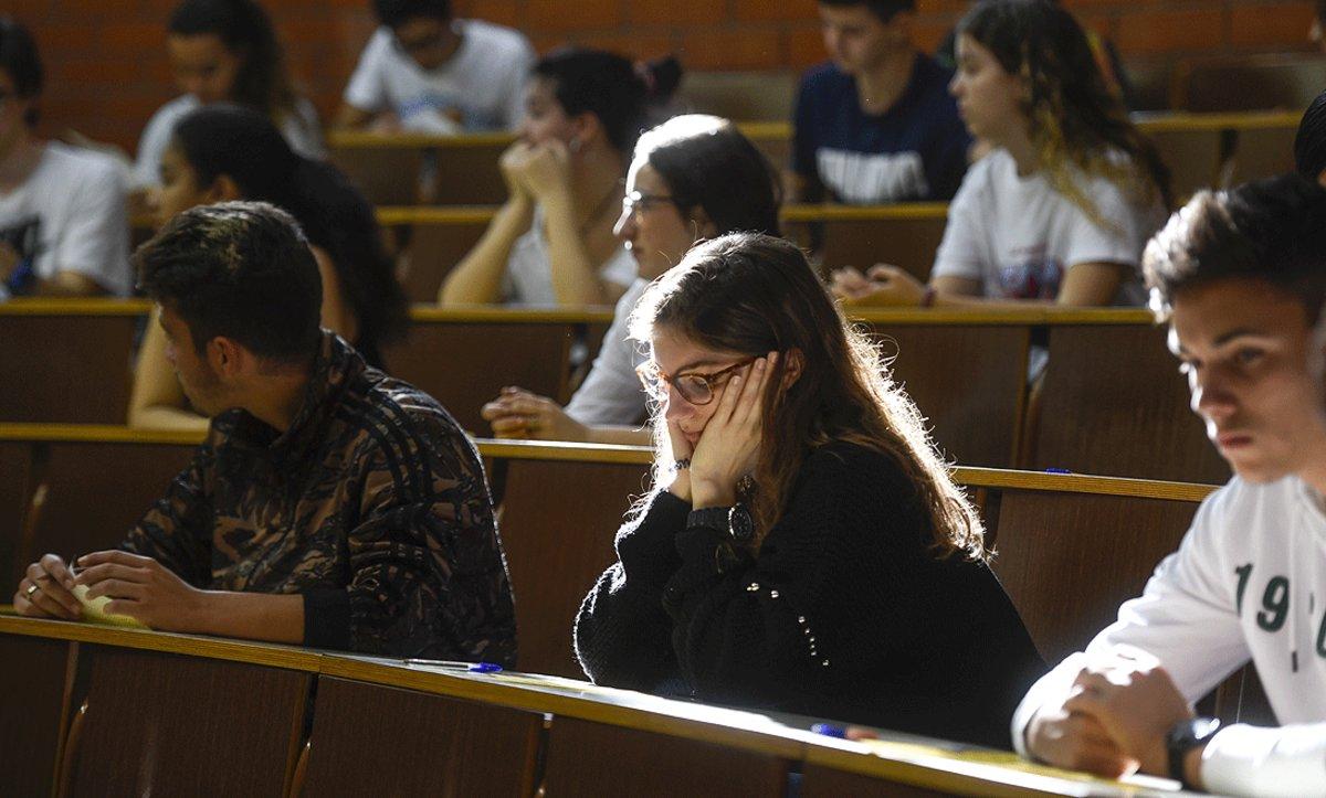 Pruebas de acceso a la universidad en la Facultad de Biología de la Universitat de Barcelona, en junio del 2019.