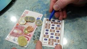 El Parlament debatrà que es pugui jugar al bingo amb diners en residències i casals de gent gran