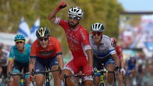 Nacer Bouhanni se impone en la meta de San Javier, en la sexta etapa de la Vuelta.