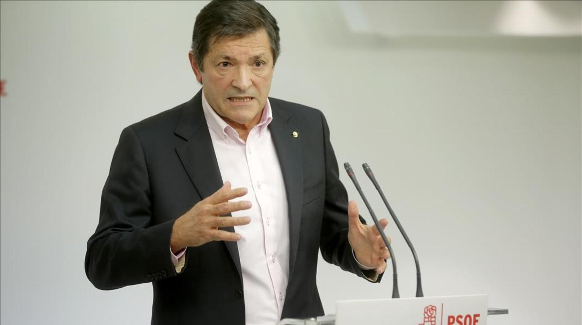 El presidente de la gestora, Javier Fernandez, en rueda de prensa.
