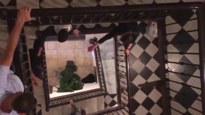 Disputa entre los ocupas y los vecinos de un piso enla calle Lluís el Piadós de Barcelona.