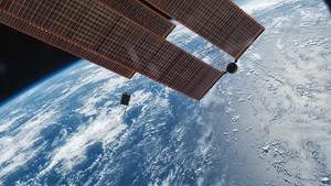 La Tierra, desde el exterior de la Estación Espacial Internacional.