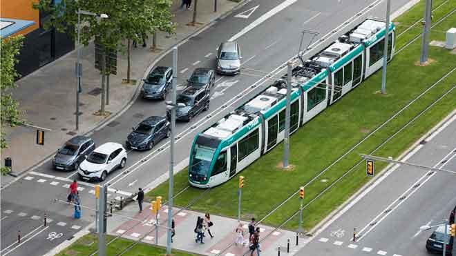 Colau portarà al pròxim ple la unió del tramvia per la Diagonal