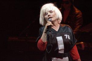 27 DE AGOSTO DEL 2014. LA CANTANTE DEBBIE HARRY EN UN CONCIERTO EN GLASGOW. Singer Debbie Harry with Blondie perform for a sold out crowd at the O2 ABC Glasgow. 27 Aug 2014. FOTO DE THC / ZJF GTRES