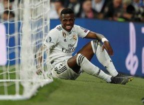 Vinicius, tras lesionarse.