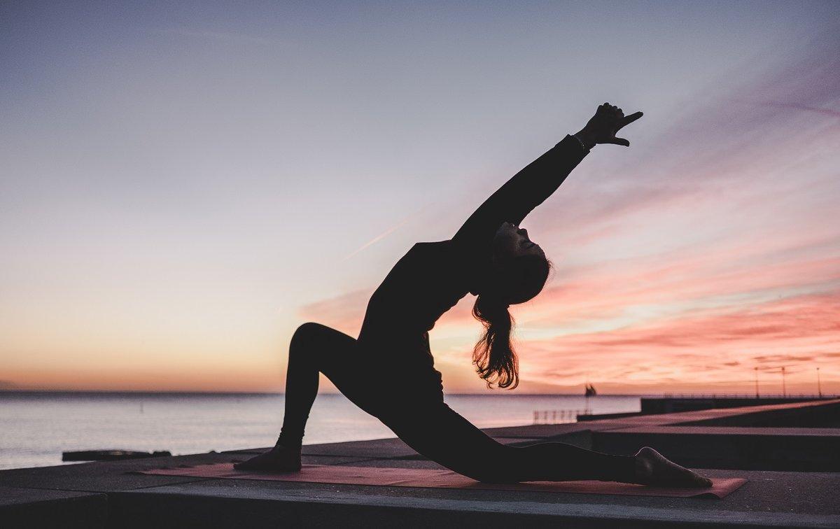 Todo lo que necesitas para celebrar el Día del Yoga