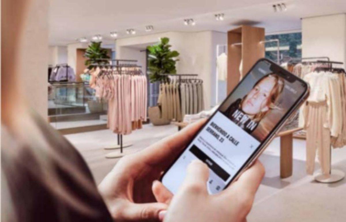 Zara (Inditex) activa el Mode Botiga, o com saber què hi ha a la botiga sense haver-hi d'anar