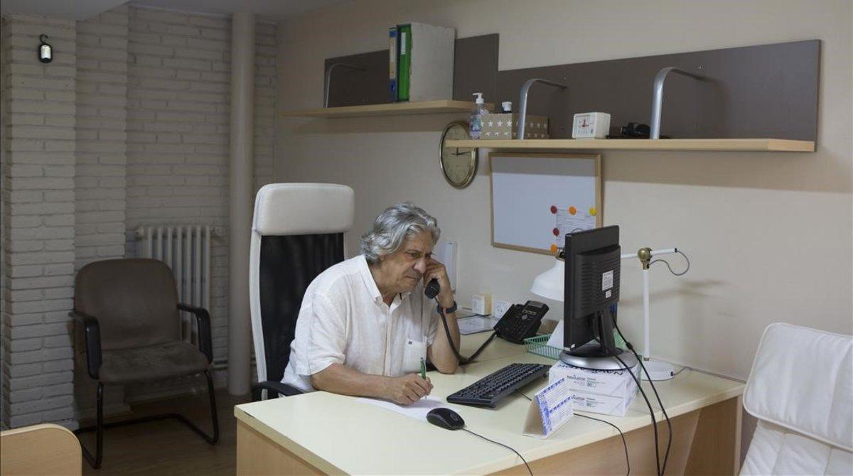 Barcelona crea un telèfon de prevenció del suïcidi: 900.92.55.55