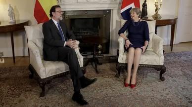 May torna a subratllar el seu suport a Rajoy en el desafiament sobiranista a Catalunya