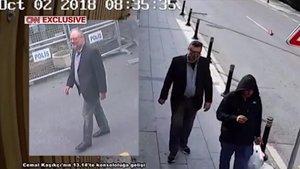 Jamal Khashoggi, a la izquierda, y unmiembro del comando saudíhaciéndose pasar por el periodistatras el asesinato.