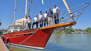 Parte de la tripulación del 'Pros', a puntopara emular la gesta de Juan Sebastián Elcano de dar la vuelta al mundo.