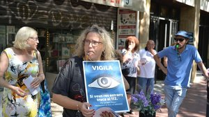 Centenars de comerciants de Sant Antoni protesten contra la inseguretat