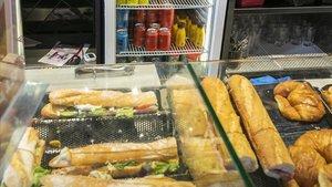 Panadería con degustación en el Eixample, donde se vende cerveza.