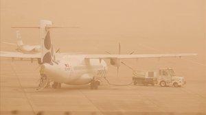 Canàries tanca el trànsit aeri per la calitja