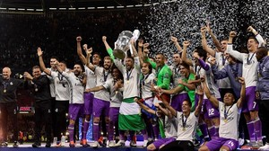zentauroepp38731713 real madrid captain sergio ramos lifts the trophy after real170603231156