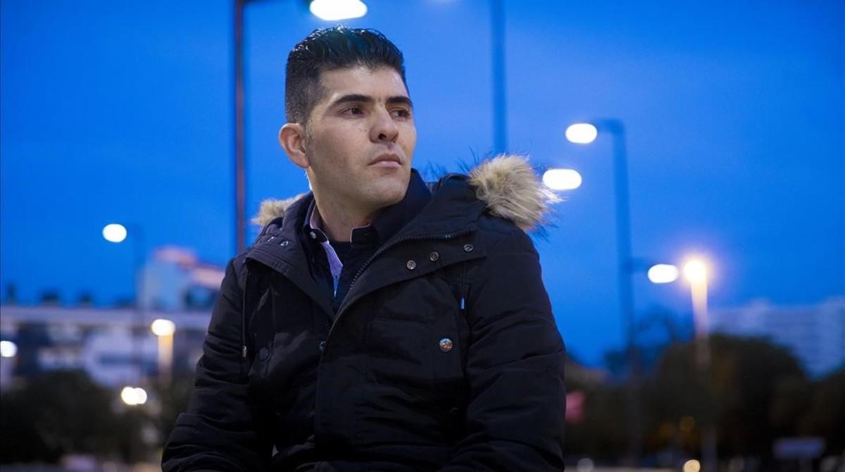 Younes Achehab, vendedor en el mercado de la miseria de Glòries.