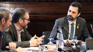 Ferran Torrent, presidente del Parlament, durante la reunión de la Mesa.