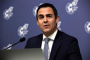 El presidente del Comité Técnico de Árbitros, Carlos Velasco Carballo, en rueda de prensa.