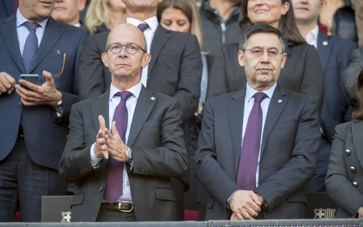 El vicepresidente primero del Barcelona, Jordi Cardoner, y el presidente, Jordi Bartomeu, en el palco del Camp Nou durante el Barça-Eibar del pasado 22 de febrero.