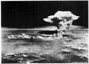 Explosión de la bomba atómica sobre Hiroshima