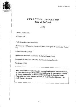 Auto con la decisión del juez Supremo sobre Oriol Junqueras y los siete exconsellers encarcelados.